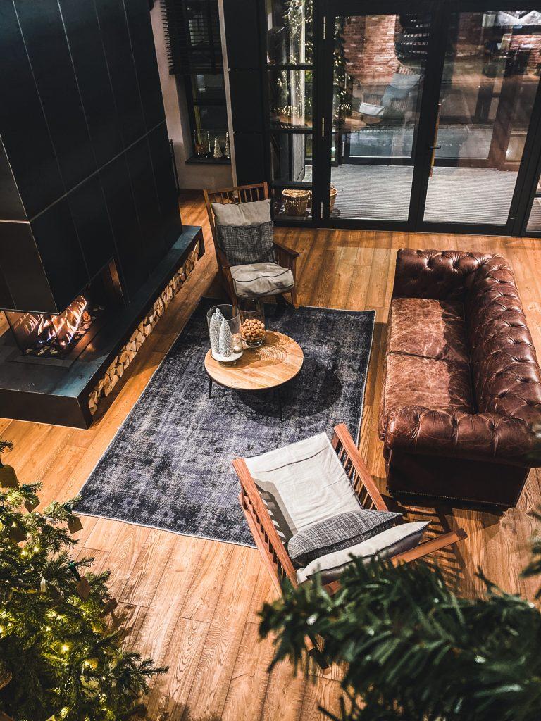 Quels styles de décoration conviennent à un canapé Chesterfield ?